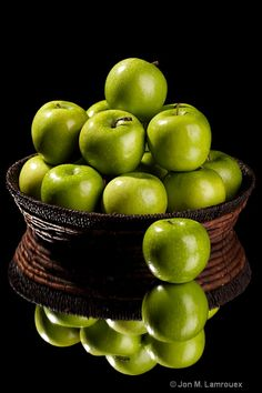 Love Granny Smith apples for 'still life' and cooking. S.. Fruit Basket.#Fruit Basket #Basket #Wicker Basket