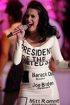 Katy Perry Wears Pro-Obama Ballot Dress.