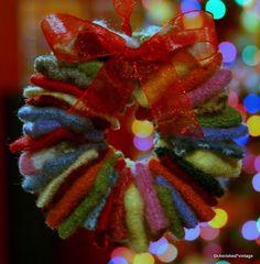 Felt Wreath Ornament:  DIY
