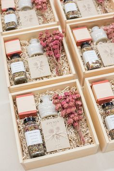 Looking for the perfect wedding gift for your guests this spring? Unique custom made gift boxes with your wedding guests in mind. These gift boxes make great anniversary, birthday, and corporate gifts too! images by: Lissa Ryan Photography Custom Made Gift, Custom Gift Boxes, Customized Gifts, Custom Gifts, Gift Box Design, Curated Gift Boxes, Wedding Welcome Bags, Wedding Gift Boxes, Wedding Guest Gifts
