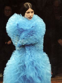 MUTILATE      Junya Watanabe, Fall–Winter 2000–2001    Mode 2001 Landed-Geland, Flanders Fashion Institute  curator walter van beirendonck