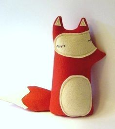 Liam - The Sleepy Woodland Fox sleepyking @ etsy.  This is so cute... I feel like I can make it myself easily.