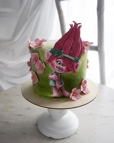 Each cake is not the same parcel of art, with a distinctive style and theme. To begin with, the best method to go for is designing a cake with their f. Fondant Flower Cake, Fondant Cakes, Cupcake Cakes, Beautiful Cakes, Amazing Cakes, Princesa Poppy, Hand Painted Cakes, Doughnut Cake, Funny Cake
