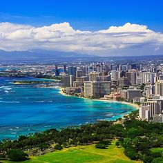 Honolulu, Hawaii - Oahu is a beautiful island. We spent a week here and drove all over the island. Highlights included renting an ATV to tour through the lush mountains, hiking to Diamond Head, and relaxing on the beach at sunset. Honolulu Oahu, Waikiki Beach, Maui, Fly To Hawaii, Hawaii Travel, Hawaii 2017, Voyage Hawaii, American Islands, San Diego
