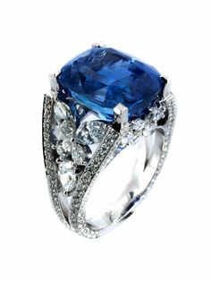 19.33 carat Ceylon Sapphire and diamond ring