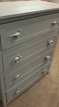 Dinosaur Drawer pulls--spray paint plastic dinosaurs and screw on to dresser! ...such a cute idea!!
