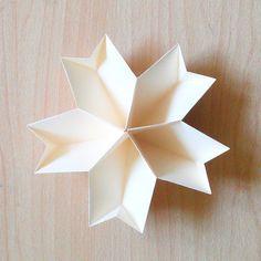 ひな祭りのひなあられ入れに使える!ひな壇にも飾れるお花の紙皿の作り方 | CRASIA(クラシア)