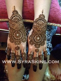 hand mehndi! Check out more desings at: http://www.mehndiequalshenna.com/
