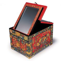 Korean traditional standing mirror case for makeup