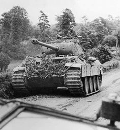 Kpfw V Ausf A Panther , (Sd.Kfz 171 ) travels along a road in Normandy. Panzer Iii, German Soldiers Ww2, German Army, Image Avion, Mg 34, Tiger Tank, Armored Fighting Vehicle, Military Pictures, Ww2 Tanks