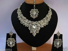 jewels to adorn my dress!!