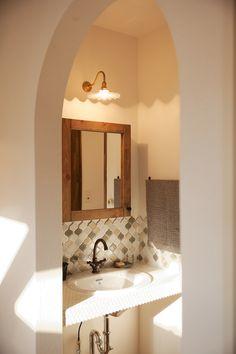 Modern lighting bathroom sinks 26 Ideas for 2019 Rustic Kitchen Lighting, Modern Bathroom Lighting, Modern Lighting, Entry Way Lighting Fixtures, Outdoor Light Fixtures, Living Room Partition Design, Room Partition Designs, Bathroom Mirror Cabinet, Mirror Cabinets