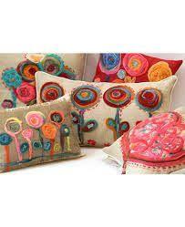 Resultado de imagen para almohadon bordado con lana Needlepoint Stitches, Decoupage, Diy And Crafts, Coin Purse, Textiles, Embroidery, Boho, Pillows, Sewing