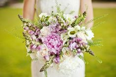 Pale lilac and cream bouquet