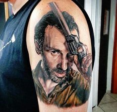 Rick Grimes Looks Ready to Kic. is listed (or ranked) 2 on the list 25 Incredible Tattoos Inspired by The Walking Dead Cool Tattoos For Guys, Love Tattoos, Body Art Tattoos, Tattoo Art, Portrait Tattoos, Tattoo Life, Amc Walking Dead, Walking Dead Tv Series, Incredible Tattoos