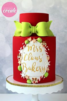 How To Make A Mrs Claus Bakery Cake