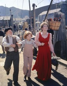 Still of Mickey Rooney, Sean Marshall and Helen Reddy in Pete's Dragon