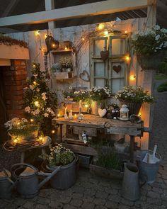 Small Outdoor Spaces, Outdoor Rooms, Small Courtyard Gardens, Outdoor Gardens, Small Backyard Patio, Backyard Landscaping, Outdoor Cabana, Vintage Garden Decor, Christmas Interiors