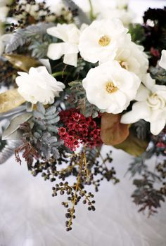 ideas for wedding winter bouquet floral arrangements Winter Bouquet, Winter Flowers, Beautiful Flowers, Floral Wedding, Wedding Bouquets, Wedding Flowers, Flower Bouquets, Trendy Wedding, Holiday Tables