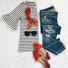 White and black striped bell sleeves tee+distressed jeans+red pointed flats+red bandana+sunglasses. Pre-Fall Casual Outfit 2017 Source by Outfits jeans Mode Outfits, Jean Outfits, Fashion Outfits, Womens Fashion, Casual Fall Outfits, Spring Outfits, Outfit Summer, Mein Style, Looks Cool