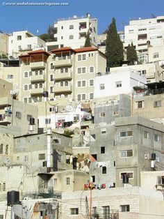 Jerusalem is crazy, confusing, frustrating, beautiful, insane and incredible - all at the same time #jerusalem #israel #visitisrael #travelblog #travelphotography #holyland #holycity #wanderlust #exploretheworld