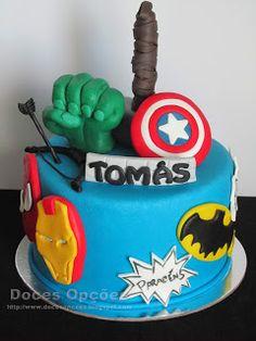 Doces Opções: Bolo de aniversário Avengers
