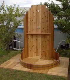 douche extérieure en bois avec piscine hors sol