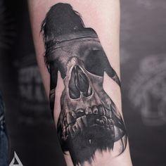 #tattoo #tattoodesign #tattoosketch #tattooidea #realistictattoo #realism #skull #skulltattoo #girltattoo #blackandwhite #blackandwhitetattoo