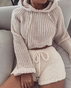 36 comfortable winter outfits ideas to inspire you 8 Chill Outfits, Mode Outfits, Cute Casual Outfits, Fashion Outfits, Womens Fashion, Cute Lounge Outfits, Becky G Outfits, Fashion Movies, Dance Outfits
