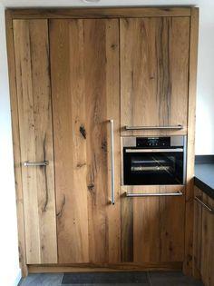 Mooie op maat gemaakte houten keuken door RestyleXL van gemaakt van oud geschaafd eiken.