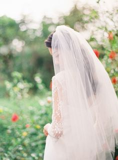 Long veil: http://www.stylemepretty.com/2015/02/16/tropical-fruit-wedding-inspiration/ | Photography: Brody T - http://brodytanphotography.com/