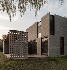 PRO.CRE.AR. PERROUD | AToT Arquitectos Architecture 101, Warehouse Design, Casas Containers, Home Building Design, Concrete Houses, Loft Design, House Layouts, Beautiful Buildings, My Dream Home