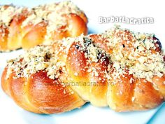 Mucenici moldovenesti (de post) Vegan Recipes, Cooking Recipes, Vegan Food, Romanian Food, Romanian Recipes, Pinterest Recipes, Bread Baking, Hot Dog Buns, Food Videos