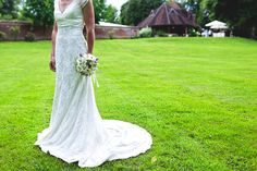 vrai mariage, décoration mariage, robe de mariée  http://lamarieeencolere.com/post/33349891751/vrai-mariage#