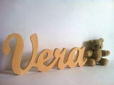 Letras de madera enlazadas 1.5 personalizado por Planetasierra, €5.99