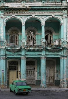 70 Abandoned Old Buildings.. left alone to die, Havana, Cuba