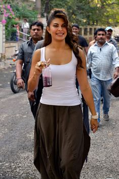 Jacqueline Fernandez spotted enjoying on the sets of her movie Roy. #Bollywood #Fashion #Style #Beauty