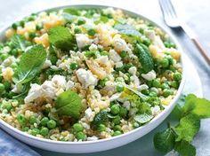 Zöldborsós, fetás bulgursaláta. Clean Eating Recipes, Easy Healthy Recipes, Healthy Snacks, Vegetarian Recipes, Easy Meals, Healthy Eating, Light Recipes, Salad Recipes, Kefir