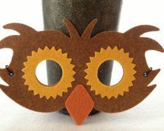 Felt Owl Mask - Pretend Play Costume Mask - i Crown You Animal Masks Owl Costume Kids, Owl Halloween Costumes, Masque Halloween, Halloween Crafts, Owl Mask, Owl Birthday Parties, Felt Owls, Owl Crafts, Animal Masks