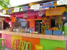 Totally necessary for our Caribbean themed bar someday! Deco Restaurant, Outside Bars, Beach Cafe, Tiki Hut, Backyard Paradise, Cafe Bar, Cafe Design, Caribbean, Woodstock