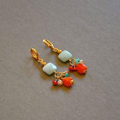 """Boucles d'oreilles précieuses pierres et perles plaquées or sur dormeuses : Modèle """"Victoria"""" : Boucles d'oreille par kanakeis"""