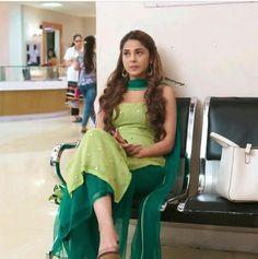Source by nupurhazela dresses indian Casual Indian Fashion, Indian Fashion Dresses, Dress Indian Style, Fashion Outfits, Fashion Women, Stylish Dresses For Girls, Stylish Dress Designs, Designs For Dresses, Women's Dresses