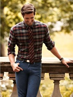 For a more rural and slightly dressy men's look, try pairing a tie and a plaid shirt of the same shades and crisp jeans. Great for those country style events like outdoor barbeques.