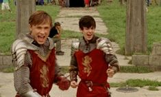 Love these guys>>yes, Narnia is the best! William Moseley, Movie Memes, Movie Tv, Narnia Cast, Ouat, Narnia Movies, Edmund Pevensie, Cs Lewis, Chronicles Of Narnia