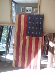 Distressed Wood #Flag to hang in your #Home. You could even make a smaller version!