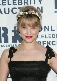 Pin for Later: 60+ Trendy Bangs For All Face Shapes and Hair Textures Dianna Agron Glee sweetheart Dianna Agron's middle fringe looks fabulous when paired with a pretty headband.