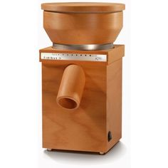The Fidibus 21 by KoMo is the perfect choice for those looking for a high-performance grain mill at an affordable price. The hopper's 1.8 pound capacity is slightly smaller than the Fidibus Classic's, but even at the finest setting the Fidibus 21 matches the Classic's rate of 3.5 ounces of flour per minute.