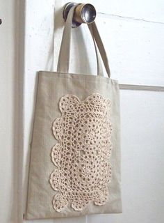 Cotton Doily Tote in Natural by reraeshop on Etsy Handmade Handbags, Handmade Bags, Lace Bag, Embroidery Bags, Sewing Art, Fabric Bags, Little Bag, Knitted Bags, Pouch Bag