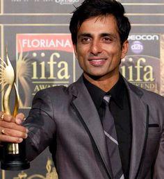Soni Sood wins at Indian Grammies R Rajkumar, Social Science Project, Sonu Sood, Actors Images, Indian Bollywood, Bollywood Actors, Life Is Beautiful, Acting, Songs