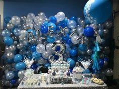 Frozen Balloon decor Frozen Birthday Party, 5th Birthday, Frozen Balloons, Balloon Decorations, Hanukkah, Fun, Balloon Centerpieces, Hilarious